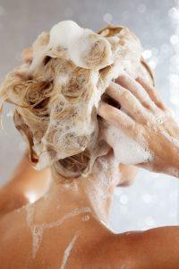 xử lý tình trạng rụng tóc tại nhà