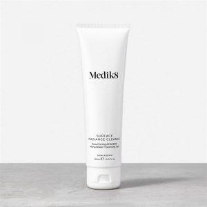 Sữa rửa mặt BHA - Medik8 Surface Radiance Cleanse